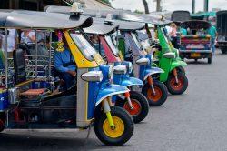 Tuk-tuk colorés à Bangkok
