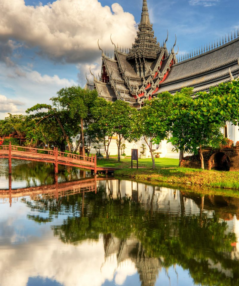 Temple, pont et nature en Thailande