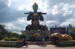 battambang statue géante