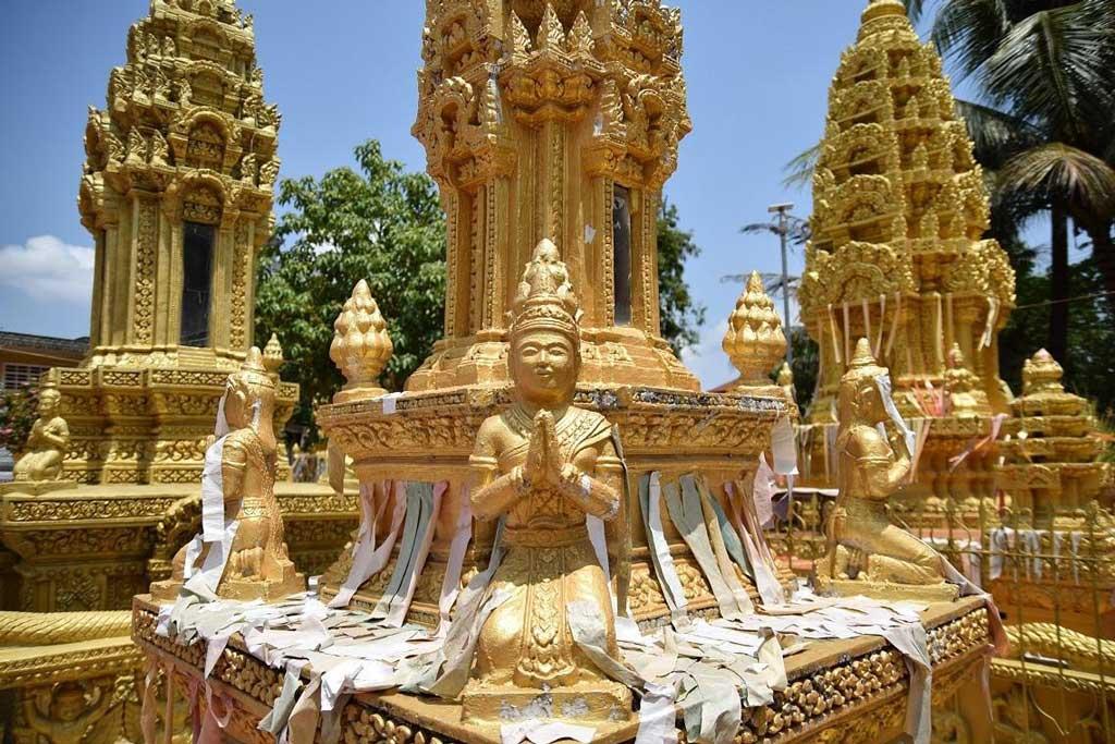 battambang temples et statues
