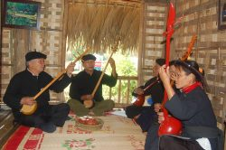 Musiciens traditionnels à Cao Bang