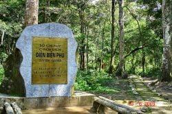 Stèle à Dien Bien Phu