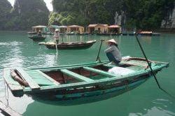 baie d'Halong maisons flottantes, Vietnam