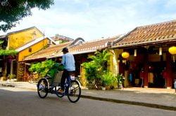 Tuk-tuk dans les rues de Hoi An
