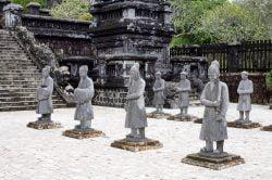 Statues de pierre dans l'ancienne cité impériale Hue