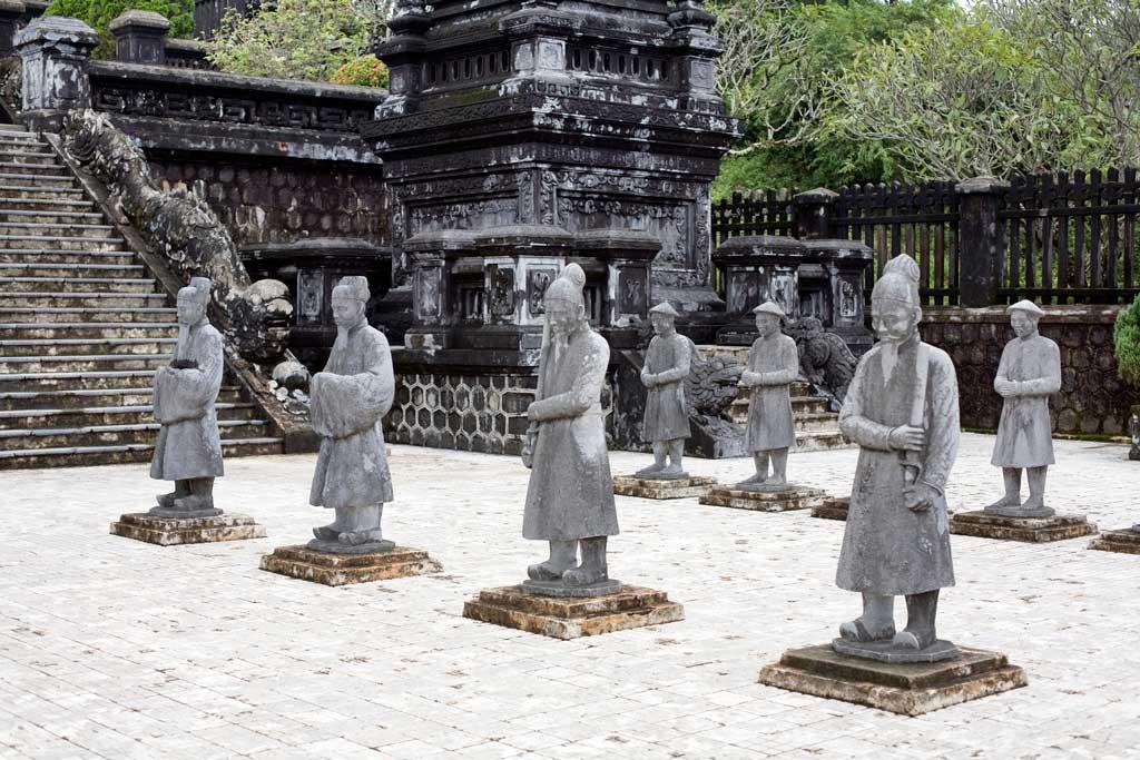 Les statues de pierre de Hue