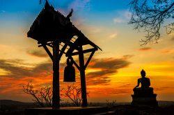 luang prabang buddha et coucher de soleil