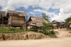 Maisons rustiques à Muang sing