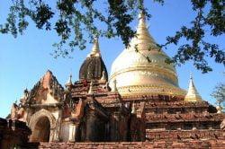 temple en pierre à myingyan