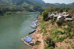 nam ou vue sur la rivière et le village