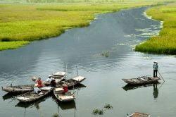 Ninh Binh rivière et barques