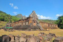 Ruines d'un temple en pierre à Pakse