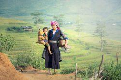 Mère et son enfant à Sapa