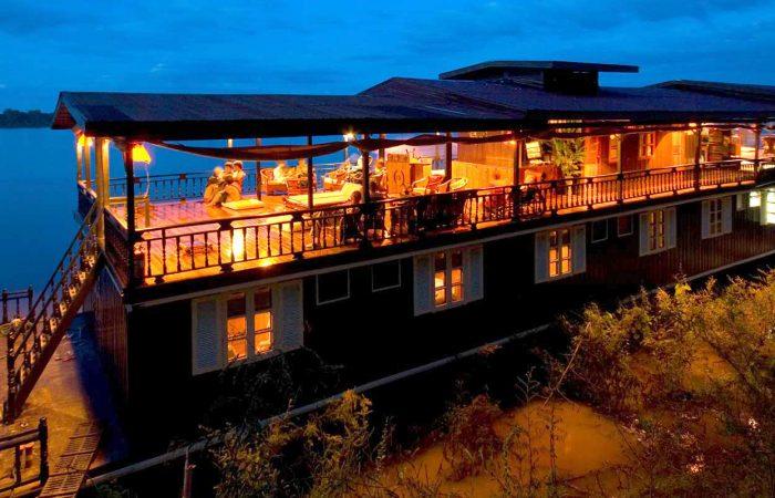 Jonque Wat Phou amarrée pour la nuit
