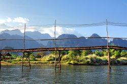 vang vieng laos pont en bois