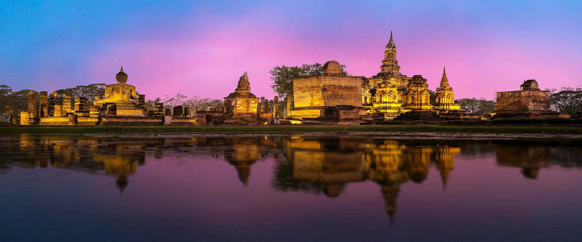 temples d'Angkor au couché du soleil, Cambodge