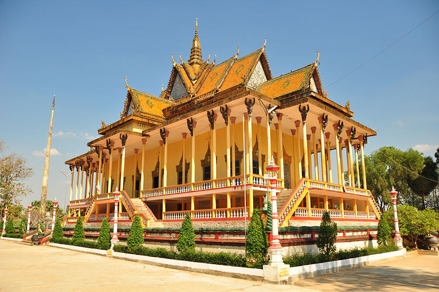 kratie cambodge temple à colonnade