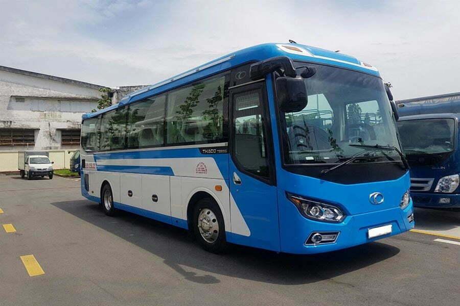 bus pour groupe de touristes au Vietnam