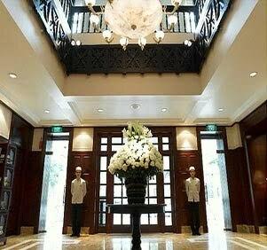 Hall d'immeuble de luxe dans Hanoi