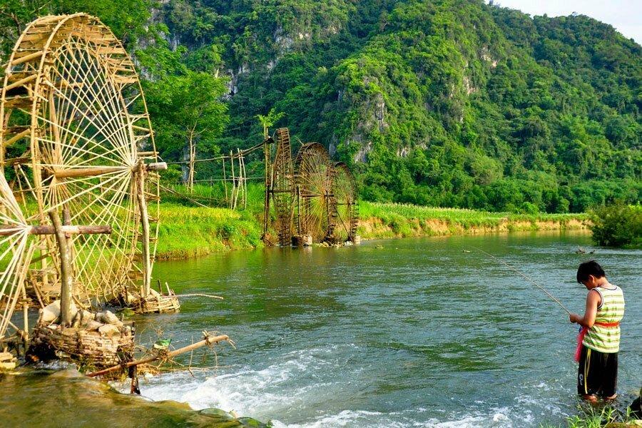 pu luong rivère et roues à eau