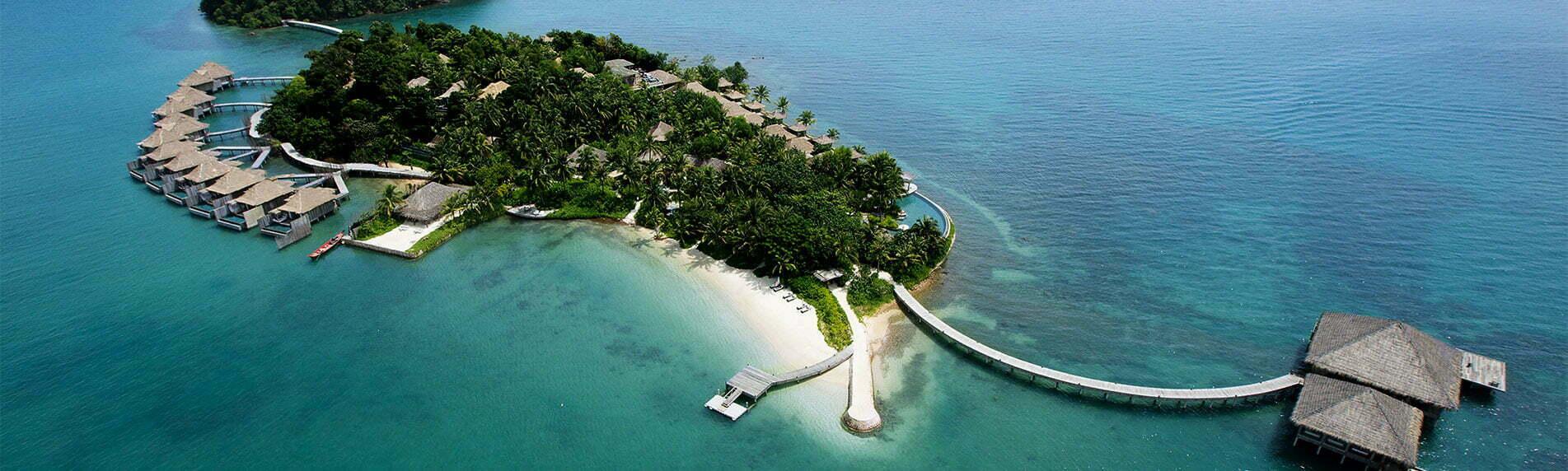 Ile paradisiaque avec des habitations luxueuses