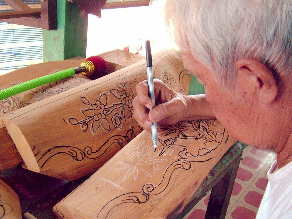 villages artisanaux, sculpture sur bois, Vietnam