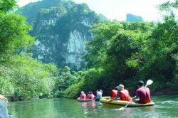 canoe sur la rivière Sok, parc national Thailande