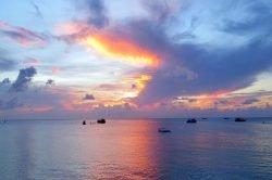 couché de soleil sur la mer Koh Tao Thailande