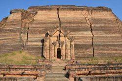 stupa inachevé mingun birmanie