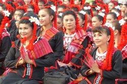 femme habit traditionnel Thailande