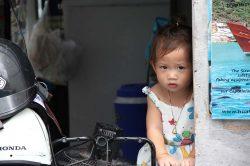 petite fille à Hua Hin Thailande