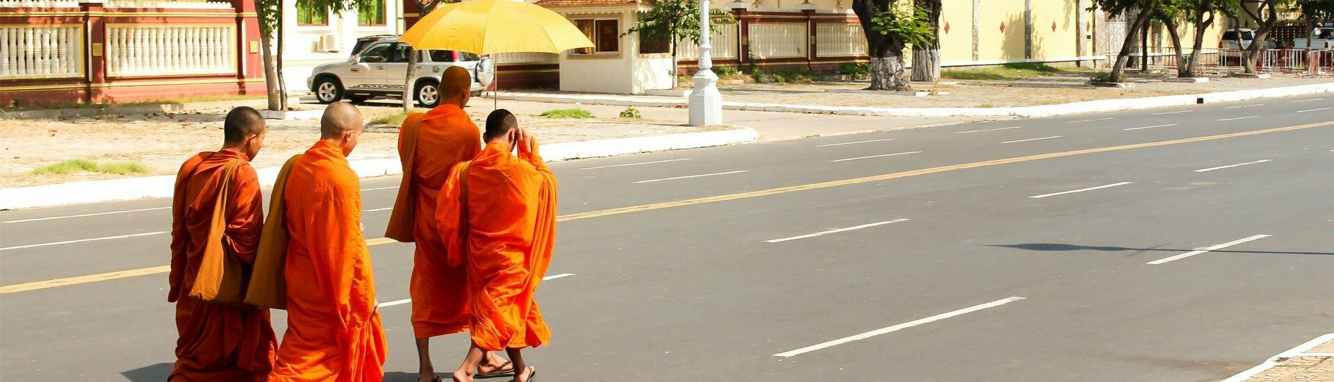Les moines bouddhistes au Cambodge