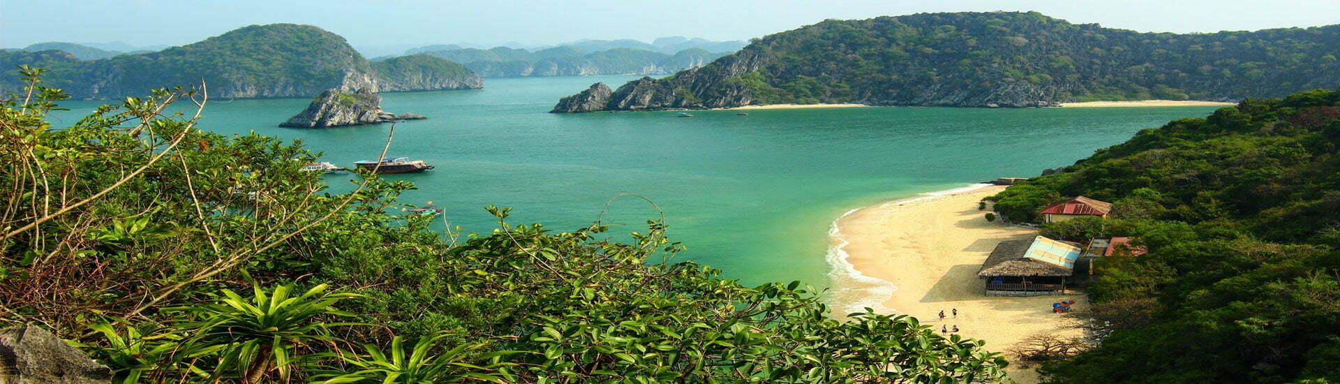 Plage à la baie d'Halong